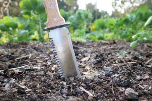 Vrtni nož Hori Hori
